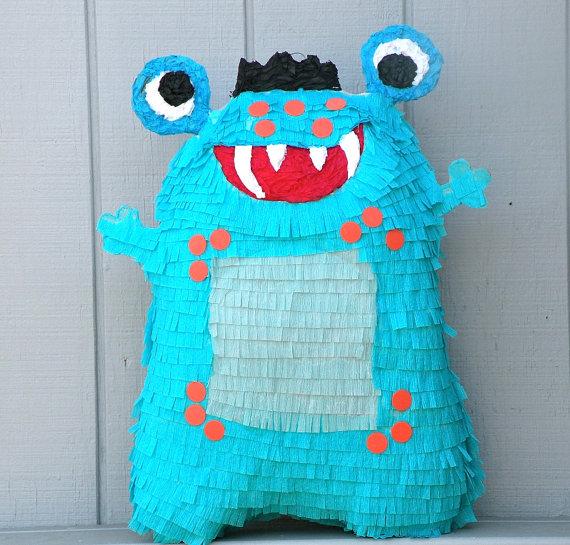 Piñata hecha a mano mostruo