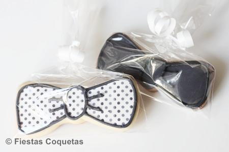 Galletas decoradas con forma de pajarita