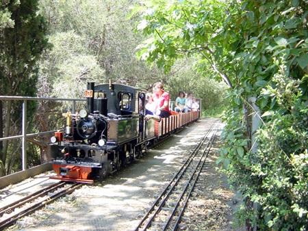 Parc de l'Oreneta, locomotora en miniatura.