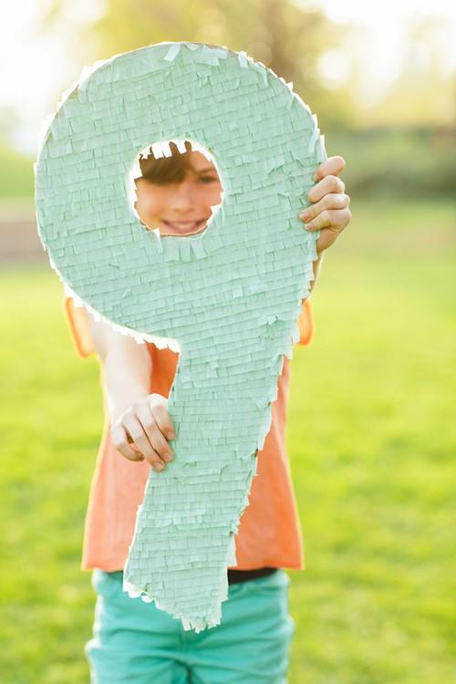 piñata numero con papel pinocho