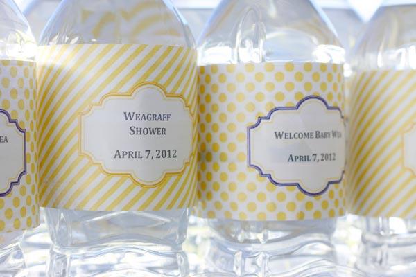 Diseño etiquetas botellitas bautizo