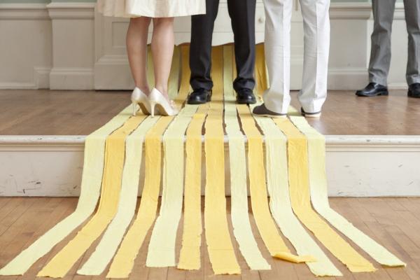 Cómo decorar fiestas con tiras de papel pinocho