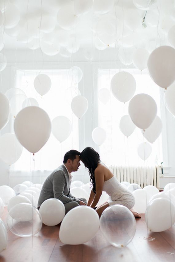 Photocall de globos transparentes y blancos