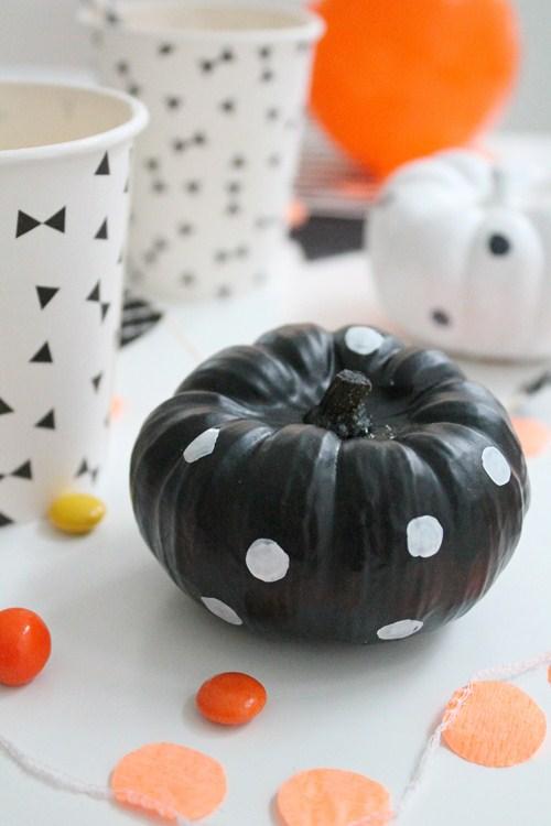 Decorar halloween para ni os de una forma original - Calabazas pintadas para halloween ...
