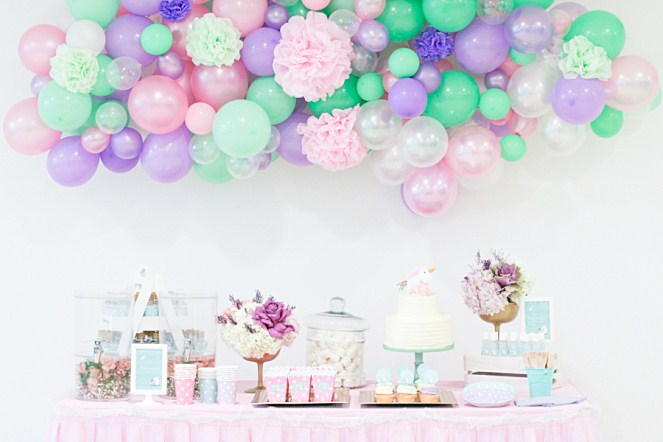 guirnalda-globos-pompones-fiesta-unicornios