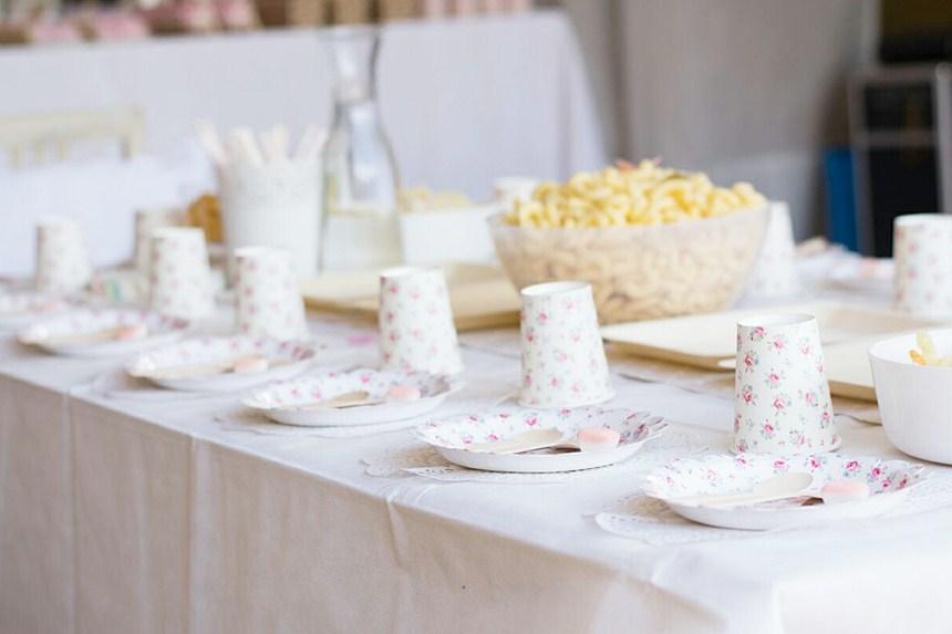 decoracion-mesa-comunion-flores