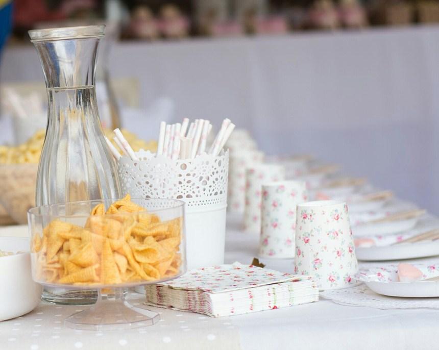 detalle-mesa-comunion-flores-vintage