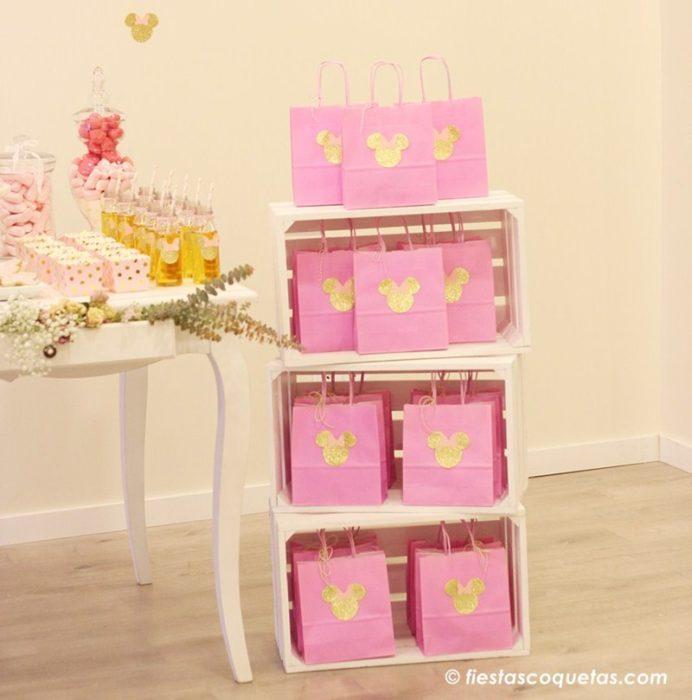 Bolsas decoradas para los invitados a la fiesta Minnie Mouse