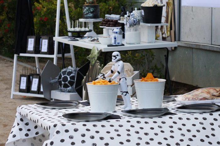 Mesa merienda auxiliar fiesta cumpleaños Star Wars