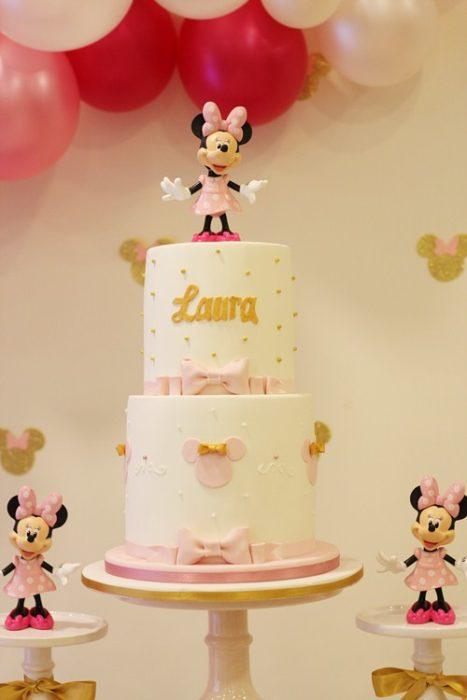 Tarta fondant Minnie Mouse rosa y dorado