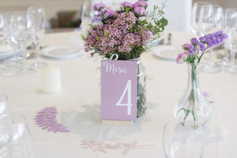 centro-flores-comunion-violeta