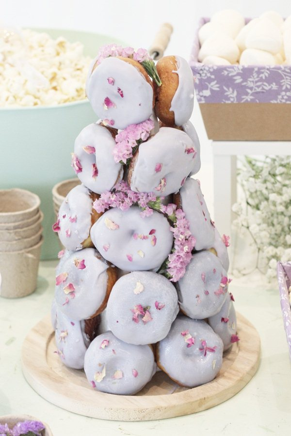 piramide-donuts-lila