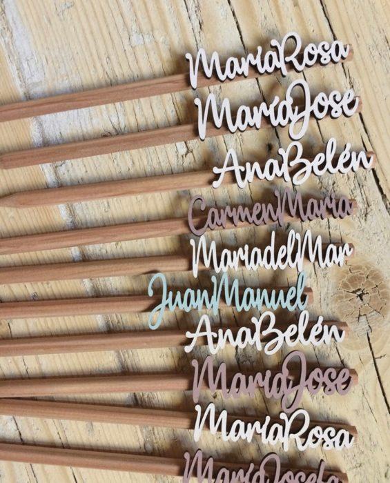 Lápiz con nombre tipografia lettering