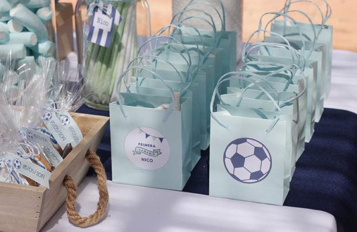 bolsitas-detalles-invitados-comunion-futbol
