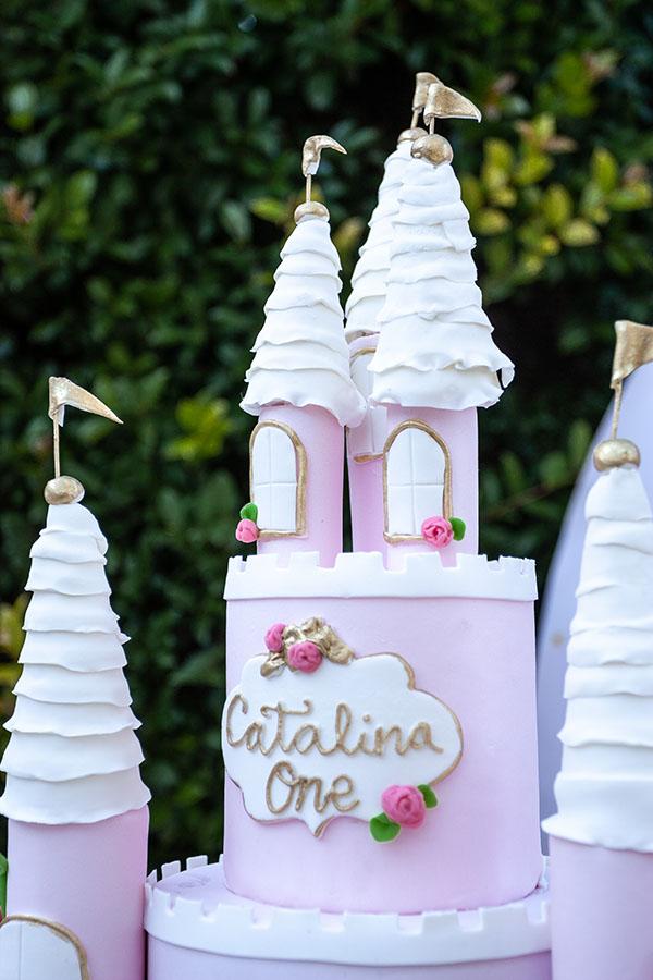 detalle-tarta-fiesta-de princesas-en-casa