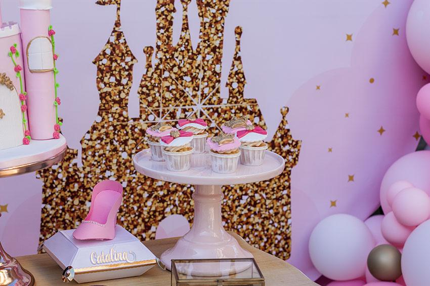 mesa-dulce-fiesta-de princesas-en-casa