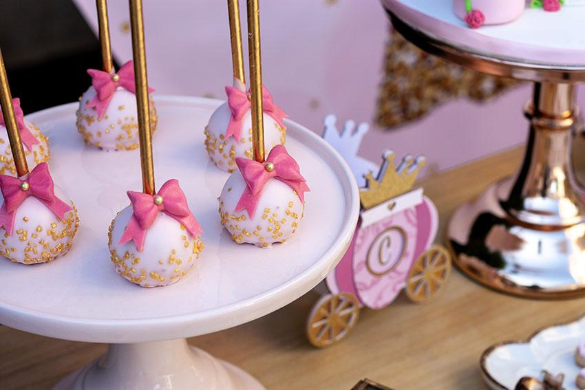 pop-cakes-fiesta-de princesas-en-casa